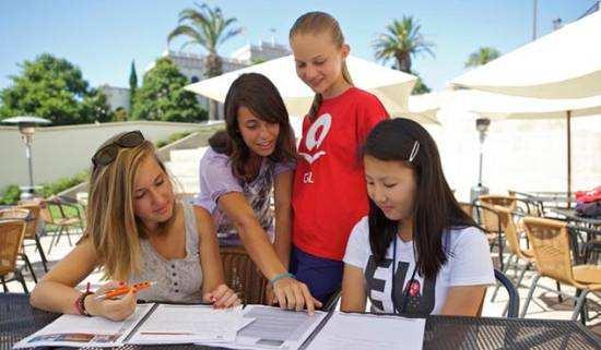 美国留学寄宿家庭,美国留学寄宿方式,留学生作业代写,留学生资讯,美国作业代写