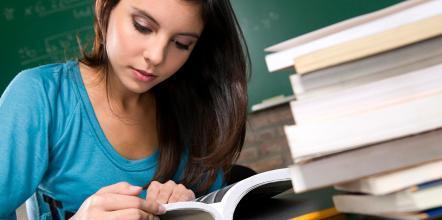 选择美国留学,美国留学,留学生作业代写,paper代写,经济学论文代写