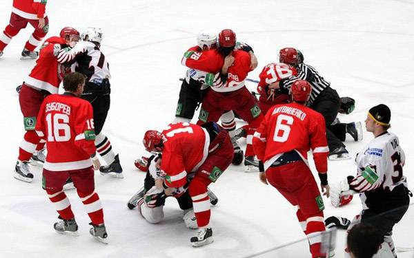 hockey game,冰球比赛,assignment代写,paper代写,留学生作业代写