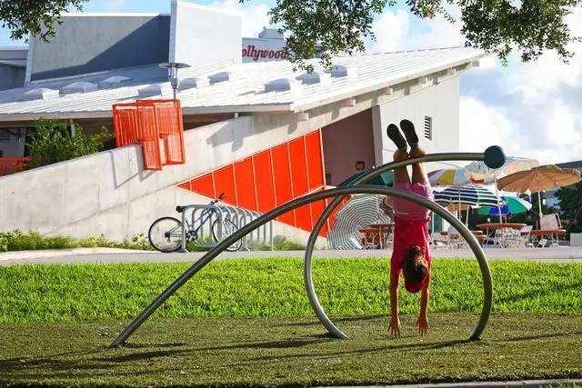 Interactive public art,互动式公共艺术,essay代写,paper代写,作业代写