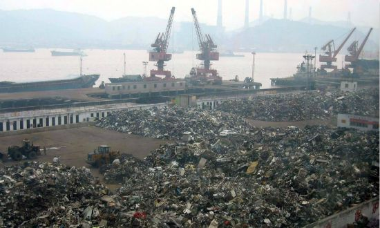 over plastic waste,中国禁止塑料垃圾进口,essay代写,作业代写,代写