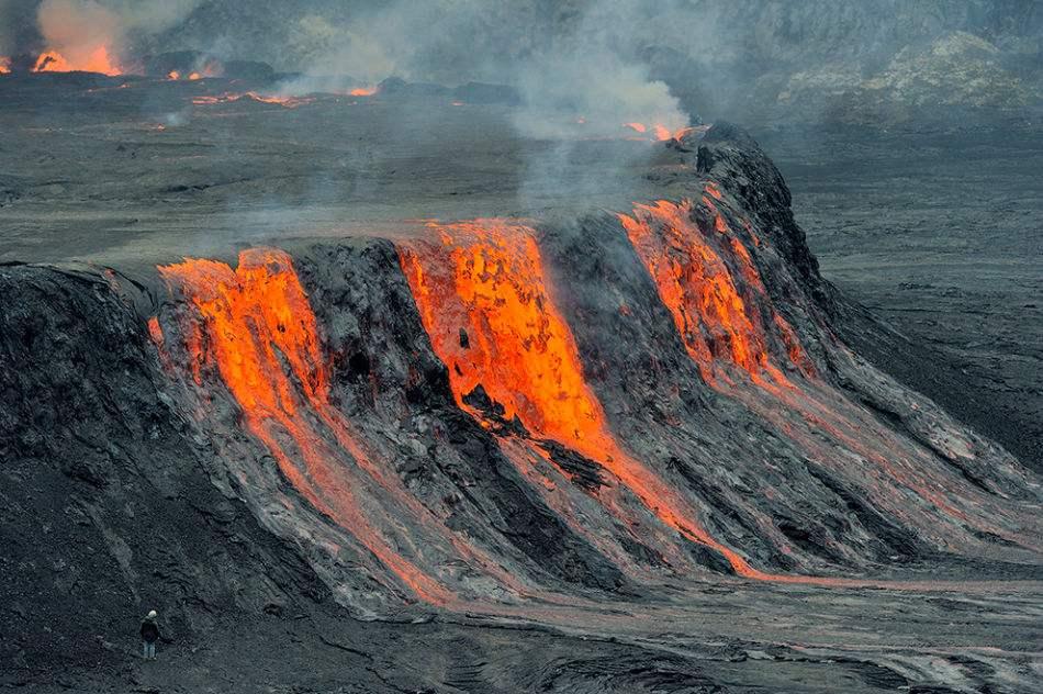 Mount Nyiragongo,尼拉贡戈火山,essay代写,作业代写,代写